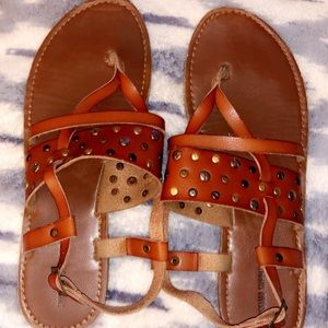 Tan simple sandals